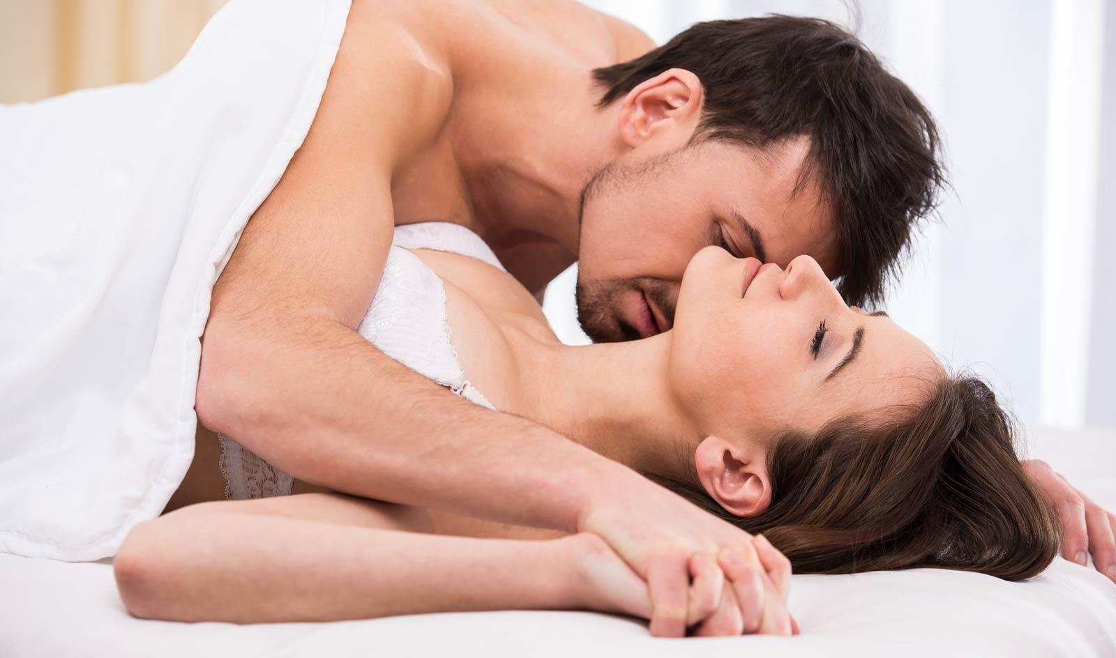 orgy-sluts-sexy-girls-man-naked